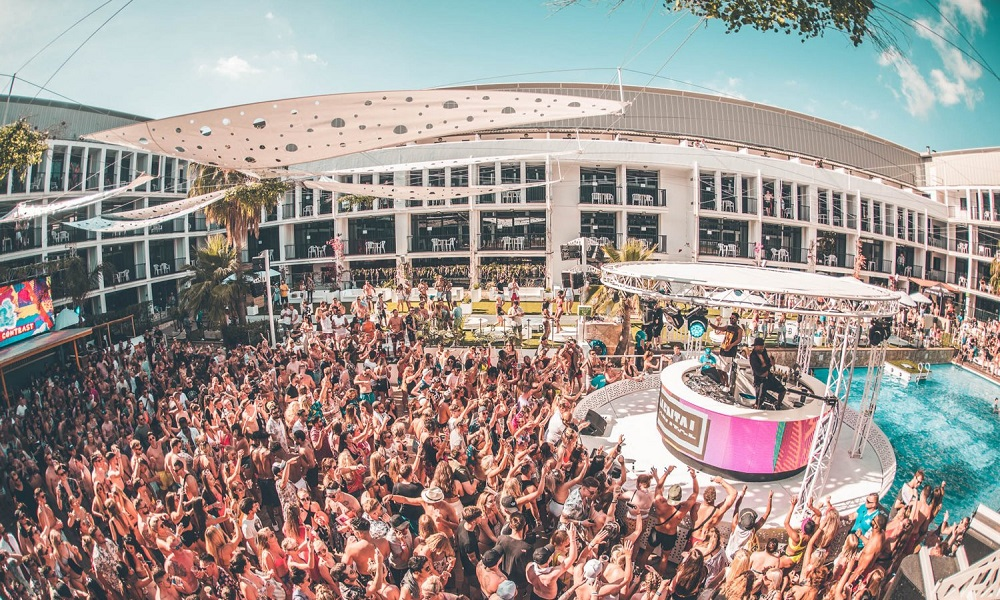 IBIZA ROCKS: Applebum Pool Party